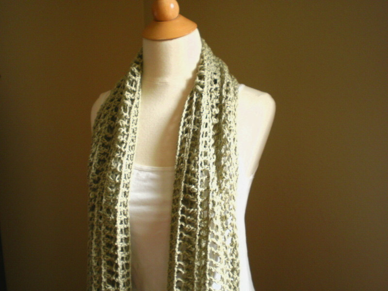 One Warm Coat Crocheted Scarf Crochet Pattern | Red Heart